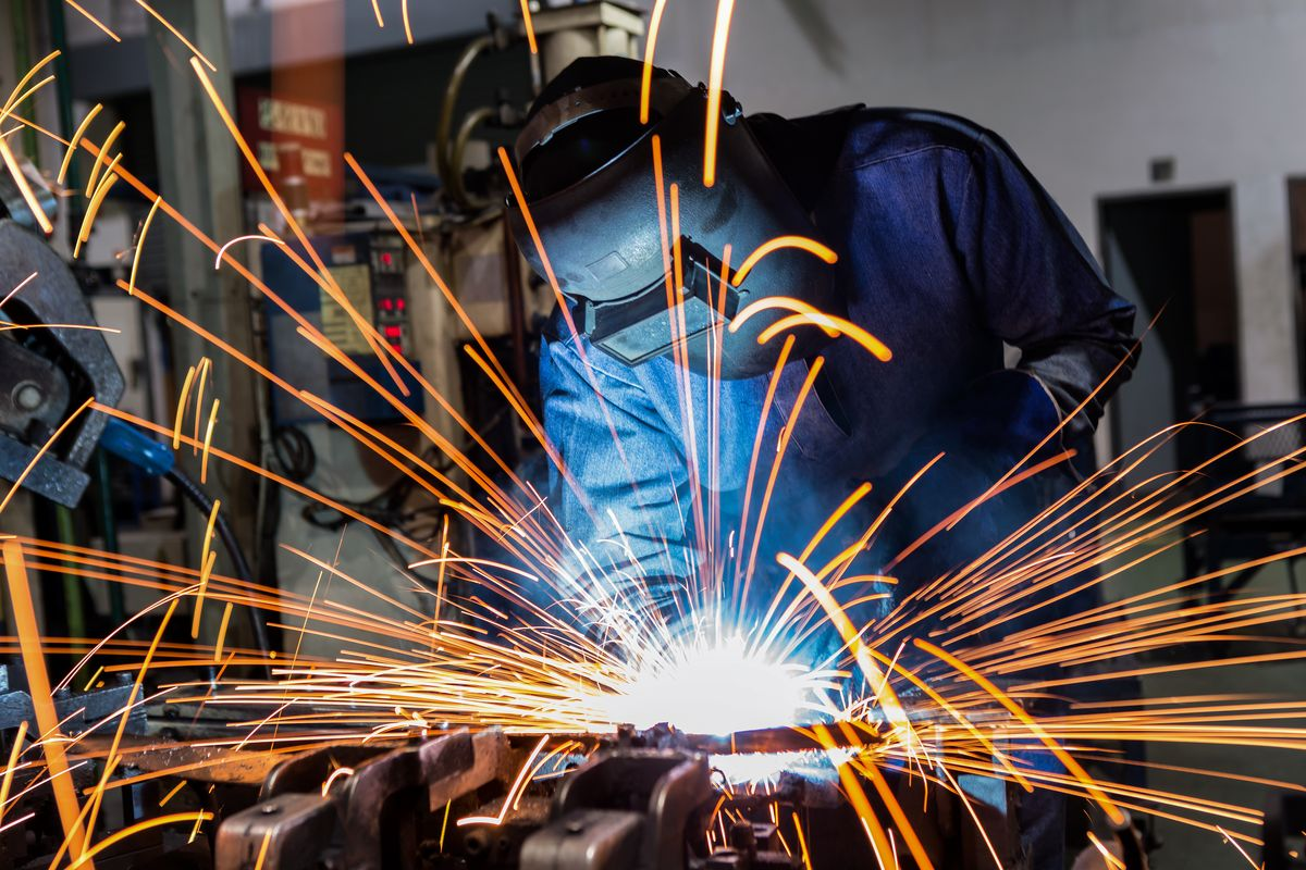 Tech Bretagne, un technicien de maintenance industrielle en renfort de votre équipe quand vous en avez besoin.
